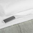 Тёрка для ног с крупной перфорацией, 18,5 см, цвет белый, RB-09