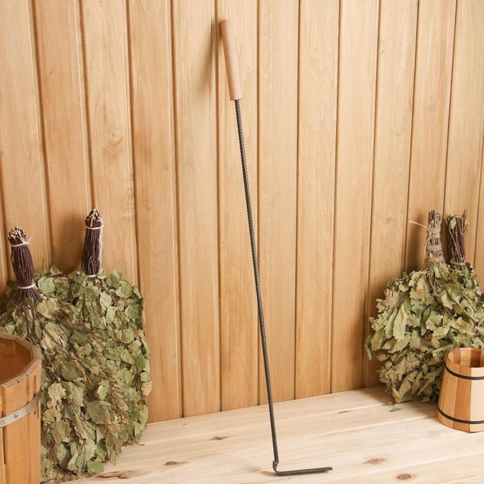 Кочерга металлическая с деревянной ручкой, длина 90 см