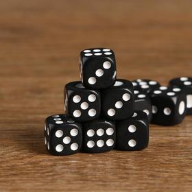 Кубики игральные 1,4 × 1,4 см, чёрные с белыми точками, фасовка 100 шт.