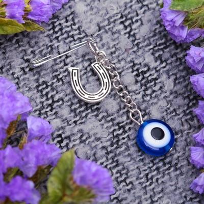 """Булавка-оберег """"Глазик"""" с подковой, 2,5 см, цвет синий в серебре"""