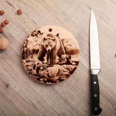 Доска из массива кедра «Медведь», круглая, 18 × 18 см