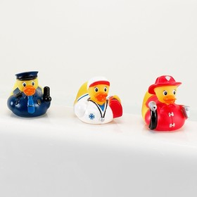 Игрушка для ванной «Уточки», в наборе 3 шт., от 9 мес., цвета МИКС