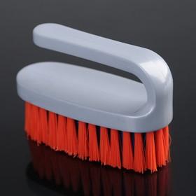 Щётка-утюжок малая средней жёсткости АкваМаг, длина щетины 2,3 см, цвет МИКС Ош
