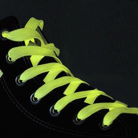 Шнурки для обуви, пара, плоские, светящиеся в темноте, 10 мм, 100 см, цвет жёлтый Ош