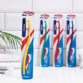 Зубная щётка Aquafresh Standatd, средняя жёсткость