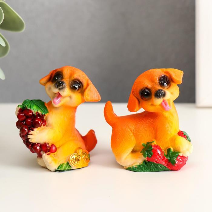 Сувенир полистоун Пёсик с фруктом МИКС 5,8х5х2,7 см