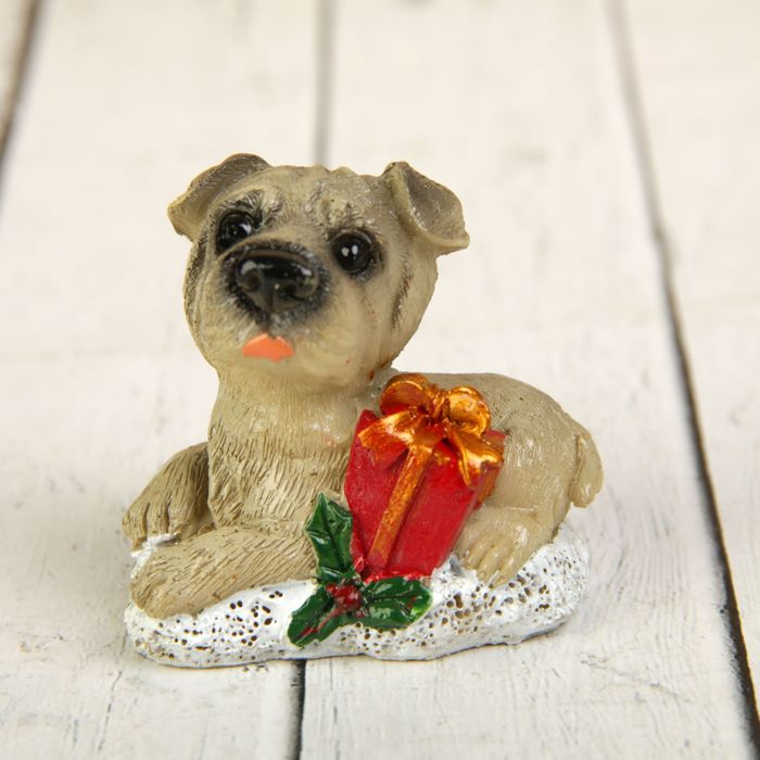 Сувенир полистоун Собака с новогодней атрибутикой МИКС 5,2х5,7х4 см