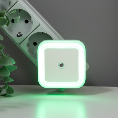 "Ночник пластик LED реагирует на темноту ""Квадрат""  6,5х6,5х5 см - Фото 1"