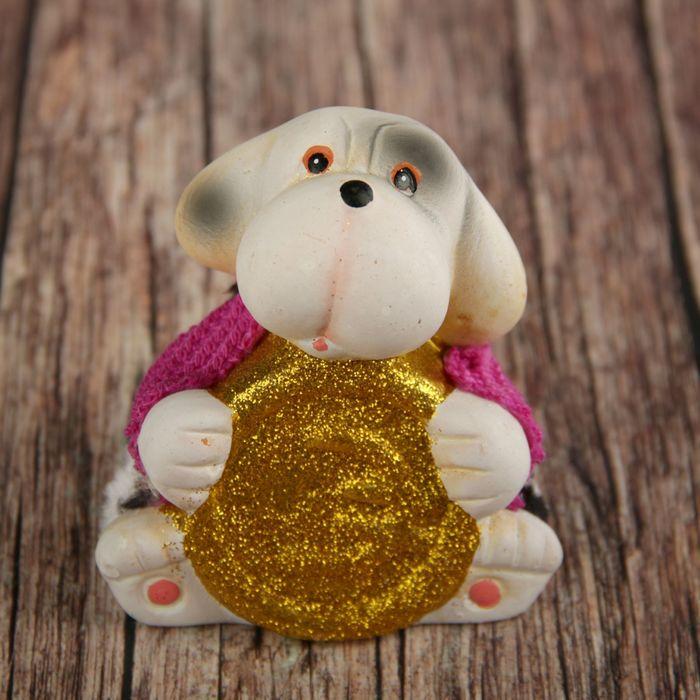 Сувенир керамика Щенок в вязаном джемпере с золотой монетой 8,5х8х6 см