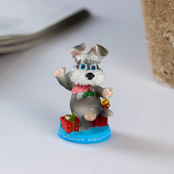 Сувенир полистоун Терьер с подарками 3,5х3,5х6 см