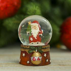 Сувенир полистоун водяной шар 'Дед Мороз с шариком' 6,5х4,5х4,5 см Ош