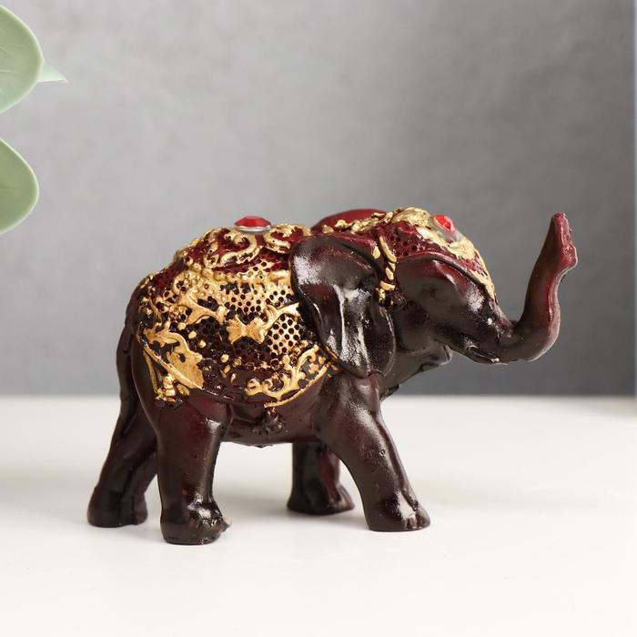 Сувенир полистоун Слонёнок в золотой попоне с красным камнем 6,5х9,3х3 см