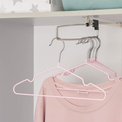 Вешалка-плечики для одежды детская с антискользящим покрытием, размер 30-34, цвет нежно-розовый - Фото 1