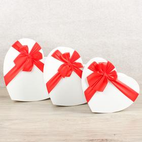 Набор коробок в форме сердца 3 в 1, 30 х 28 х 13,5 - 23 х 20 х 10,5 см