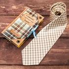 Галстук в открытке с атласной лентой