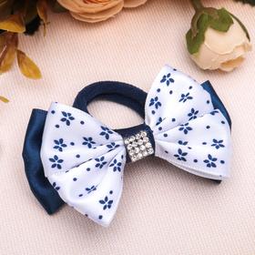 Резинка для волос бант 'Школьница', d = 6,5 см, бело-синяя, цветочки Ош