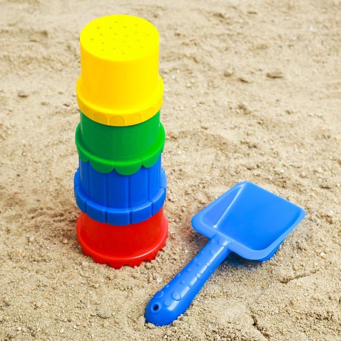 Набор  для игры в песке №11 ( 4 формочки + лопатка)