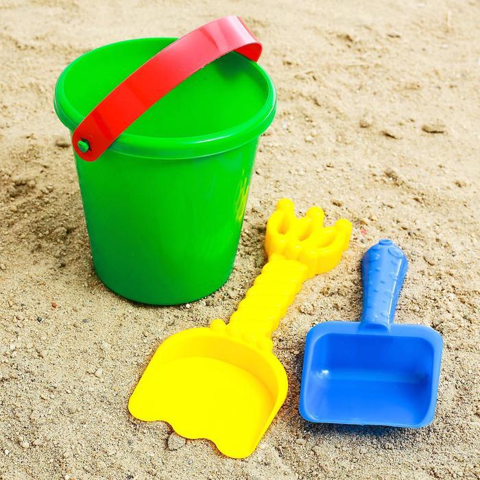 Набор для игры в песке №23  (Ведёрко + 2шт. лопатки)