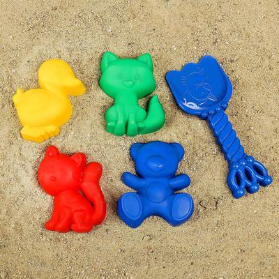 Набор для игры в песке №103: 4 формочки, совок с короной, МИКС - Фото 1