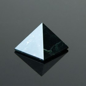 Пирамида из змеевика