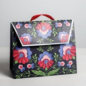 Пакет подарочный «Вышивка», 23,5 × 19,5 × 11 см Ош