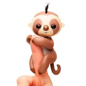 Интерактивная игрушка «Ленивец Кингсли», цвет коричневый, 12 см