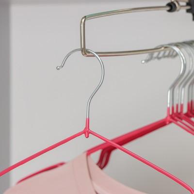 Вешалка-плечики для одежды Доляна, размер 40-44, антискользящее покрытие, цвет розовый