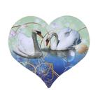 "Магнит ""Сердце. Лебеди"" винил 9х8 см"