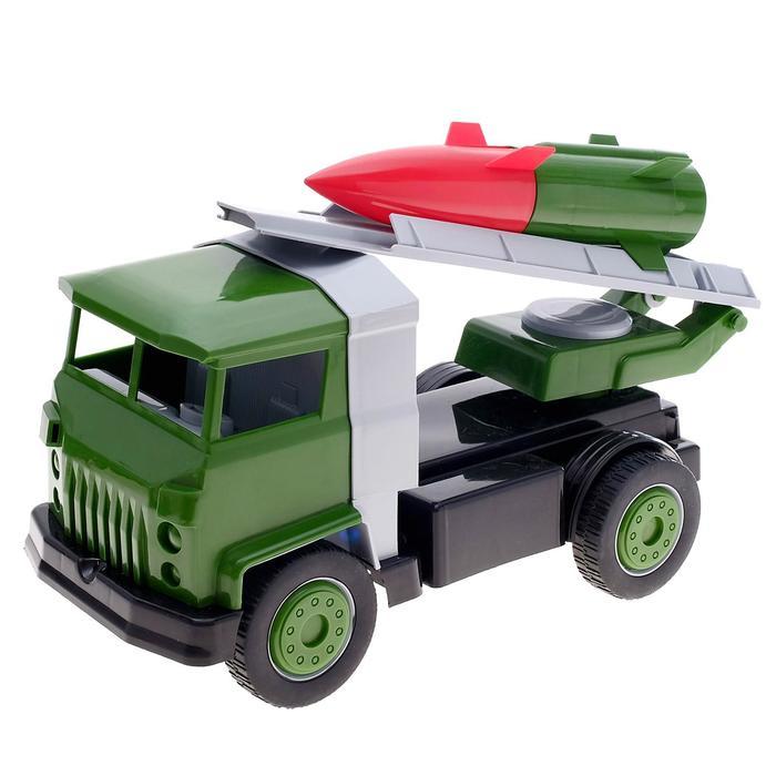 Военный автомобиль с ракетой