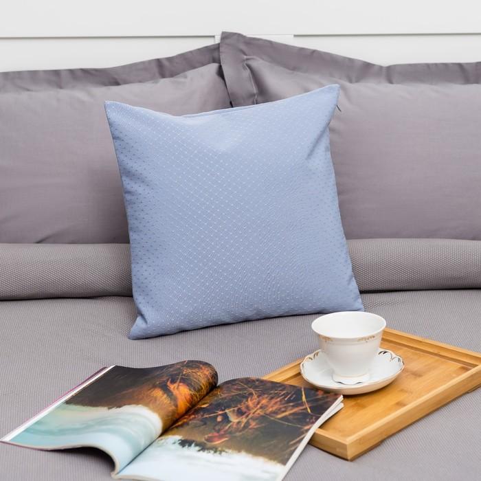 """Декоративная подушка """"Этель"""" 40х40 см, Английский стиль, цвет голубой, 100% п/э"""