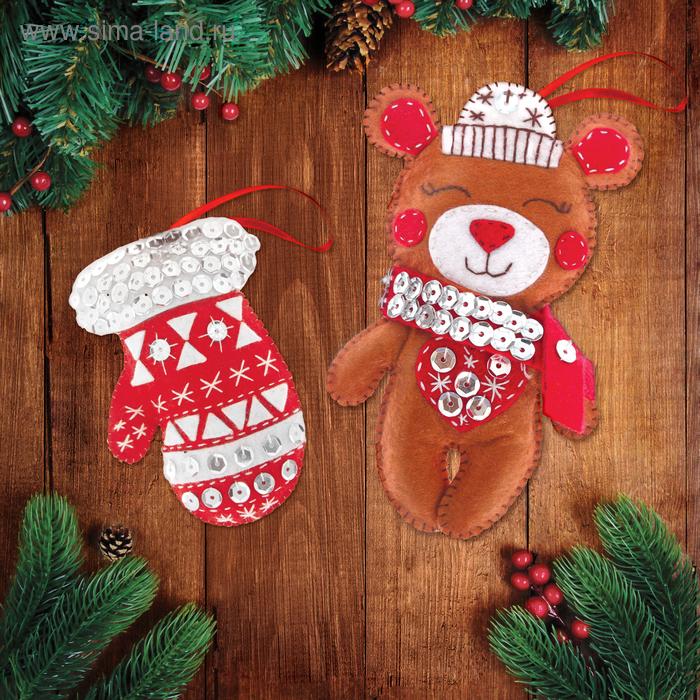 """Новогодняя игрушка из фетра """"Мишка и варежка"""""""