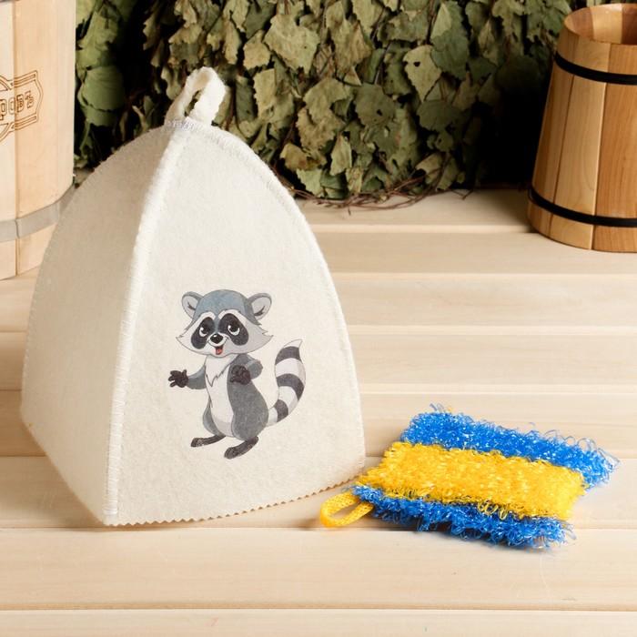 Набор для бани детский Енот в косметичке шапка с принтом, мочалка
