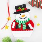 Набор для творчества - создай ёлочное украшение из фетра «Снеговик в варежках»