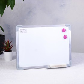 Доска магнитная 50 × 35 см, односторонняя, с полочкой под маркер + губка и 2 магнита Ош