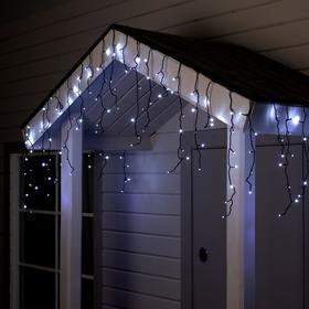 """Гирлянда """"Бахрома"""" 4 х 0.6 м , IP44, тёмная нить, 180 LED, свечение белое, мерцание белым, 220 В"""