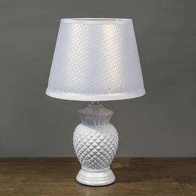 """Настольная лампа """"Альтея"""" 1x60Вт E14 белый 20х20х33 см."""
