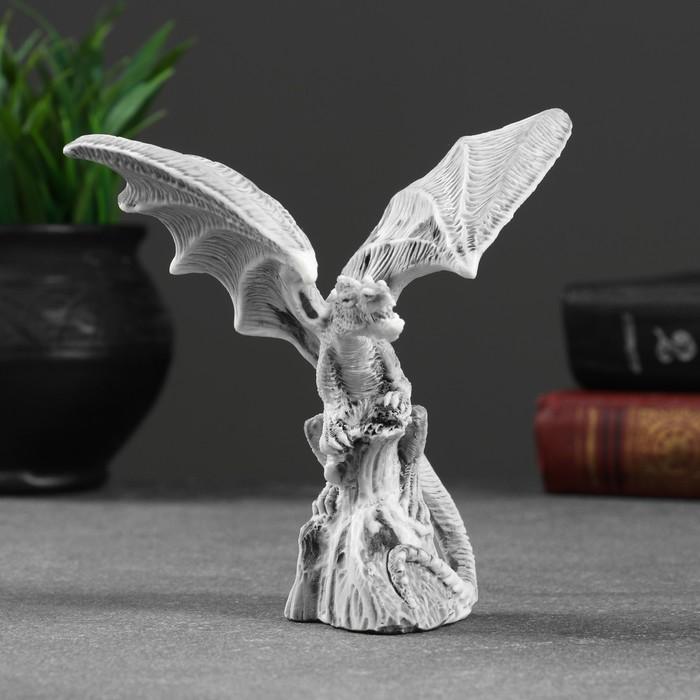Сувенир Дракон с расправленными крыльями 13см