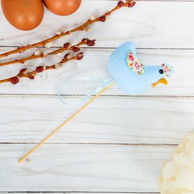 Сувенир пасхальный на палочке «Курочка» (цветы)