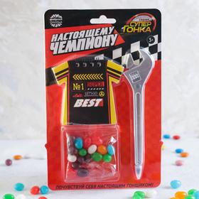 Подарочный набор «Настоящему чемпиону»: конфеты 20 г, блокнот, ручка