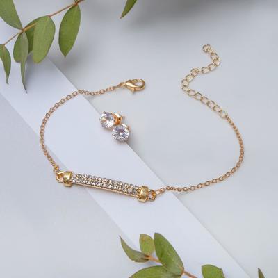 """Набор 2 предмета: браслет, пуссеты """"Модерн"""" ряд страз, цвет белый в золоте"""