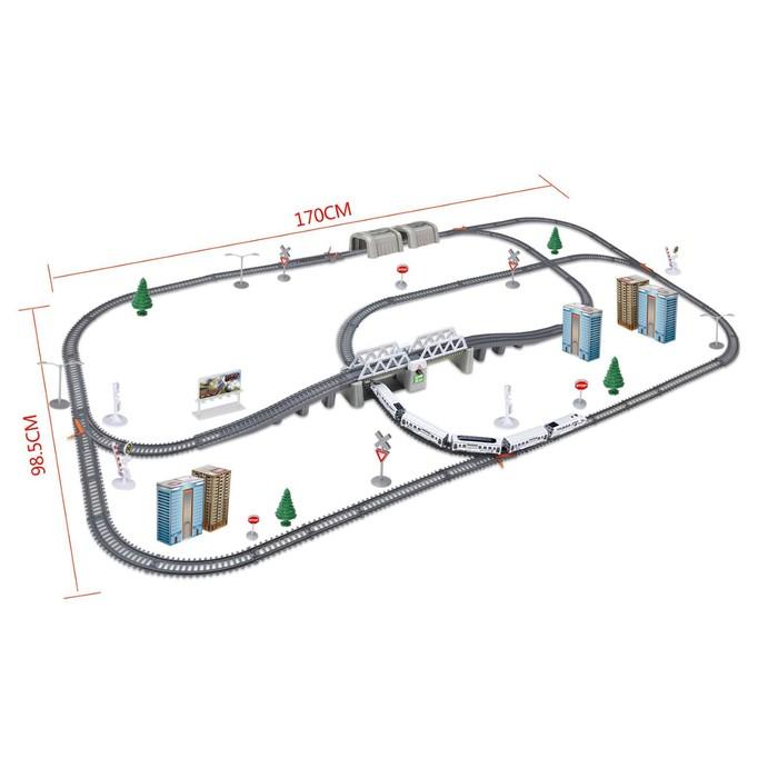 Железная дорога «Экспресс», работает от батареек, длина пути 9,14 м., световые эффекты, в пакете