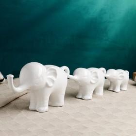 "Фигура ""Семья слонов"" набор белый 30х20х13см"