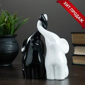 """Фигура """"Пара слонов"""" черный + белый глянец 7х12х16см"""