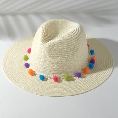 Шляпа женская с бомбошками, размер 54-56, цвет белый