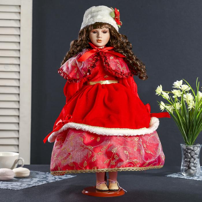 """Кукла коллекционная керамика """"Принцесса в красном зимнем наряде в белой шапке"""" 45 см"""