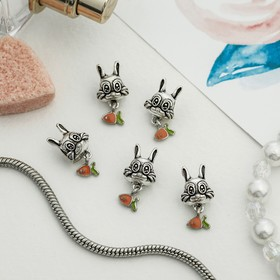 Талисман 'Кролик с морковкой', цвет оранжево-зеленый в серебре Ош