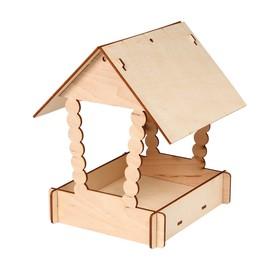 Kopмушка для птиц «Домик с брёвнами», 23,5 × 18,5 × 22,5 см