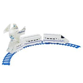 Железная дорога «Трансформер», работает от батареек, световые и звуковые эффекты, в пакете