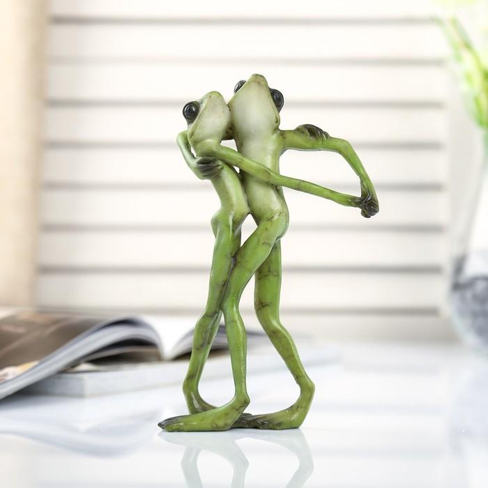 Сувенир полистоун миниатюра Лягушачье танго 15х5,5х9,5 см