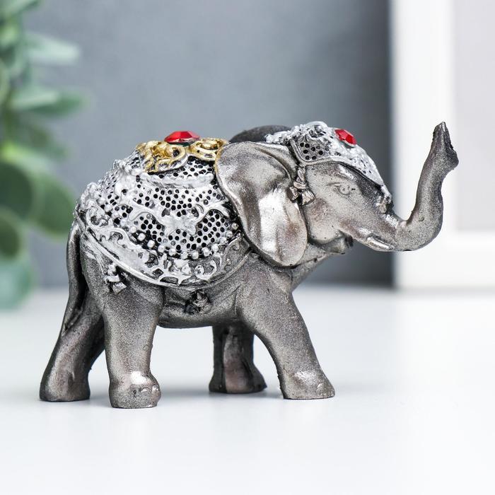 Сувенир полистоун Слонёнок в золотой попоне с рубином 5,5х8,5х3,2 см